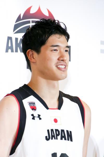 バスケ日本代表、3億円ゲット! 八村塁はソフトバンクの5Gイメージキャラクターに